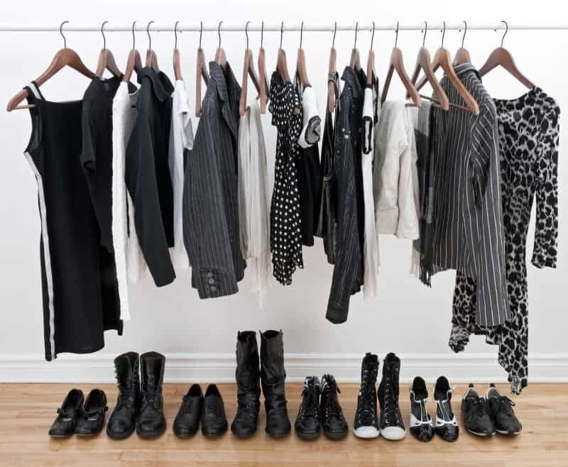 unclutter your life - picture of a capsule wardrobe