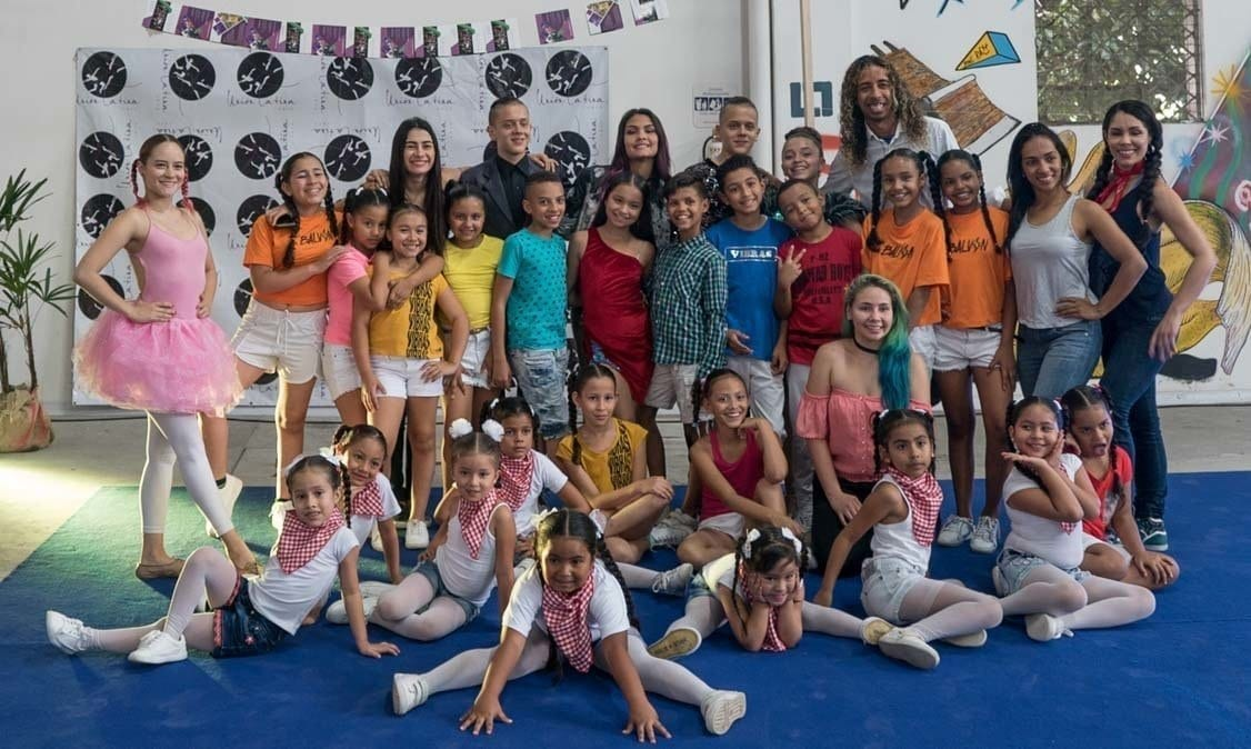 Life in Colombia- the dancers of union latina